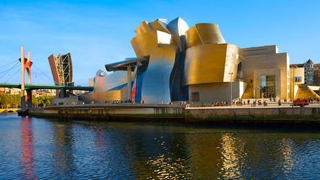 the Guggenheim museum at Bilbao in Spain. Image shot 2007. Exact date unknown.